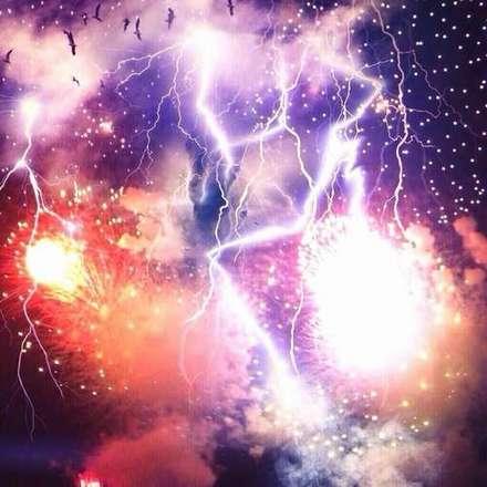 花火と雷.jpg